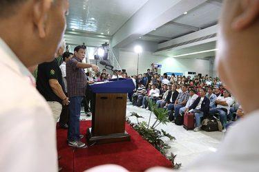 ドゥテルテ大統領、海外在住者のための新部署設立法案に賛意表明